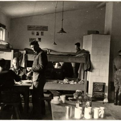 ©ICRC/ 1942.09.25/War 1939-1945. Schubin. Oflag XXI B, prisoners of war camp. RAF officers dormitory/ICRC Photo Library V-P-HIST-01589-07